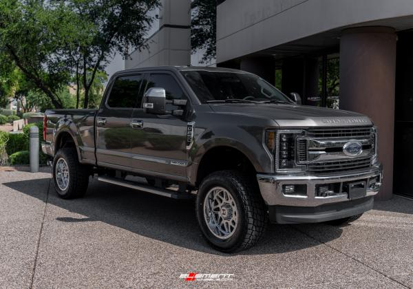 20 inch Hostile H108 Sprocket Armor Plated on a Leveled 2018 Ford F-250