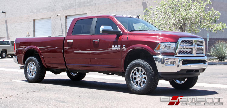 18 215 9 Xd Series Xd779 Badlands Chrome On A 2016 Dodge Ram
