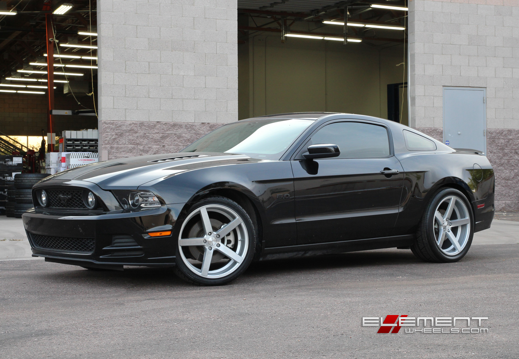 20 Inch Staggered Rovos Durban Wheels On 2013 Ford Mustang